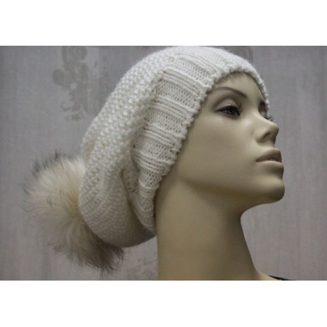 Модные шапки на зиму от Rinascimento 8298